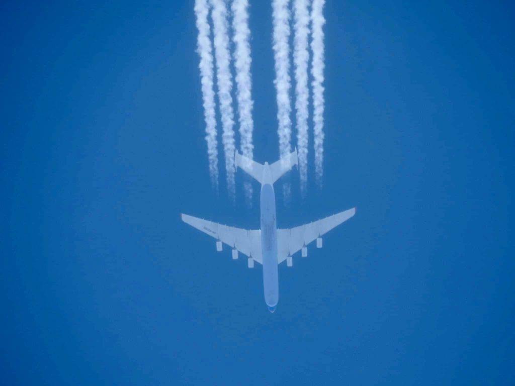 Eine AN-225 auf ihrer Reiseflughöhe. Aufgenommen von Sebastian Domschat.