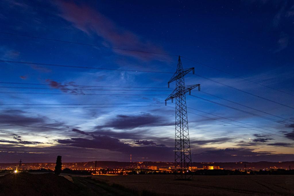 Leuchtende Wolken am Nachthimmel. Aufgenommen von Sylvio Müller.